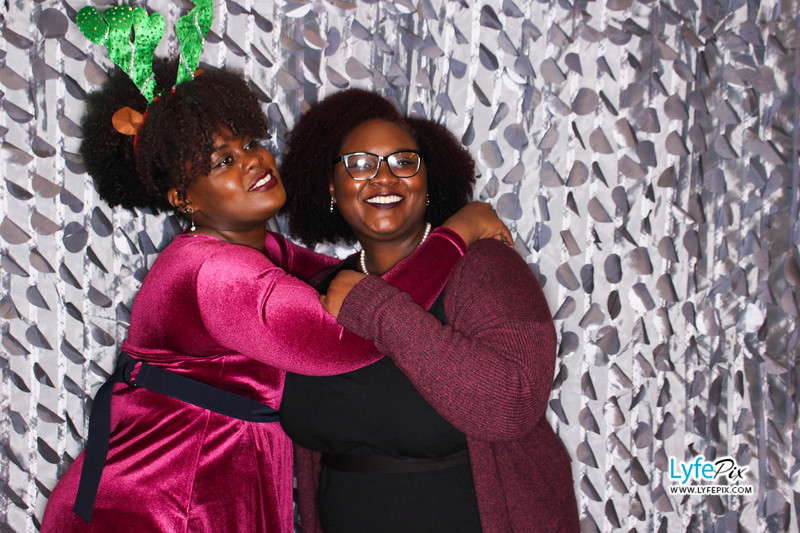 red-hawk-2017-holiday-party-beltsville-maryland-sheraton-photo-booth-0197.jpg