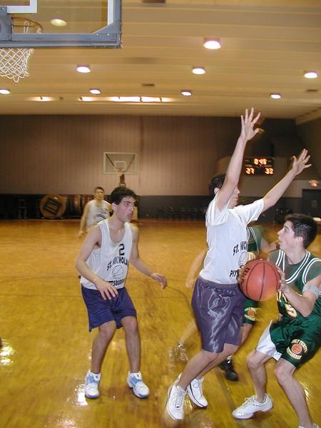 2003-02-21-Holy-Cross-Bball-Tournament_009.jpg
