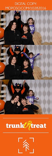 20161028_Tacoma_Photobooth_Moposobooth_LifeCenter_TrunkorTreat1-17.jpg