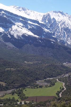"""Trekking """"EL Alfalfal"""" sector Cajon del Colorado, Santiago"""