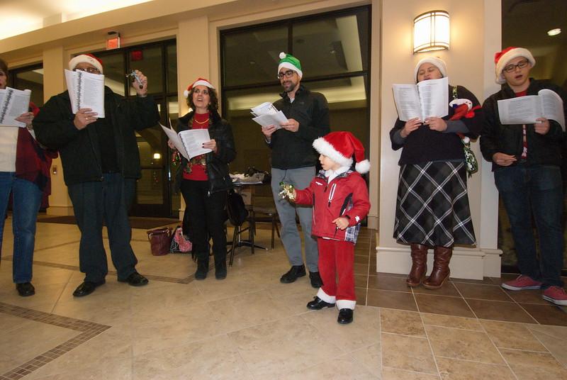 2016-12-14-Community-Christmas-Caroling_002.jpg