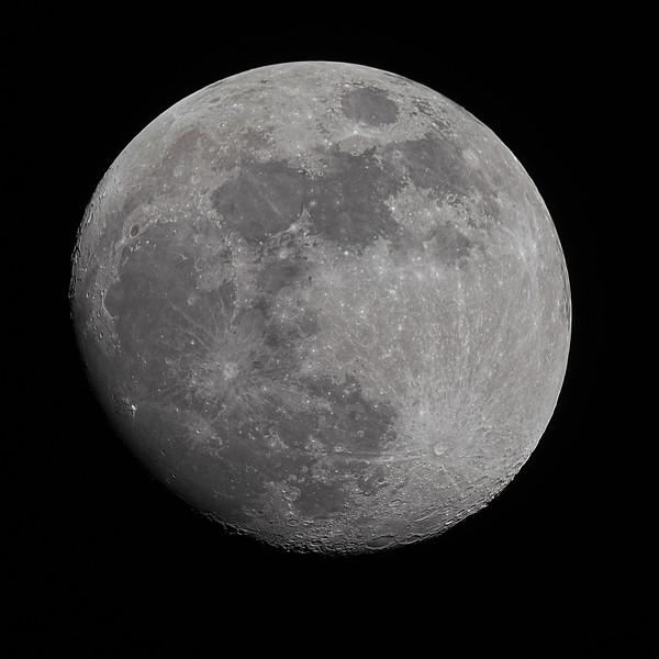 moon1_lapl2_ap13087_conv_topaz.jpg