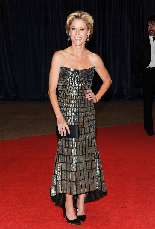 """. Actress Julie Bowen, from the ABC comedy \""""Modern Family,\"""" attends the White House Correspondents\' Dinner at the Washington Hilton on Saturday April 27, 2013 in Washington. (Photo by Evan Agostini/Invision/AP)"""
