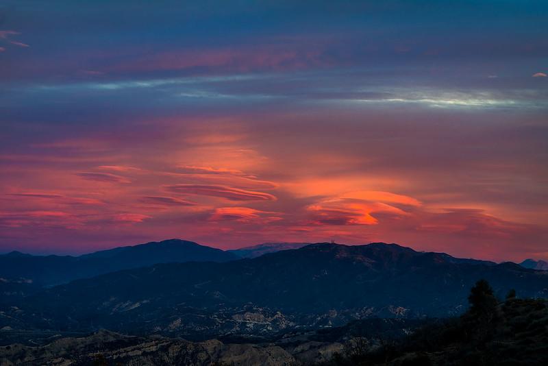 Lenticular_Clouds_San_Gabriel_Mountains_UFO_Sky_Colorful_DSC5317.jpg
