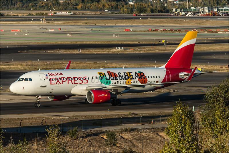 Iberia Express / Airbus A320-216(WL) / EC-LYE / Pull & Bear Livery