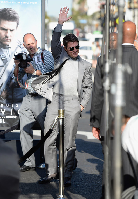 """. Actor Tom Cruise arrives at the premiere of Universal Pictures\' \""""Oblivion\"""" at Dolby Theatre on April 10, 2013 in Hollywood, California.  (Photo by Jason Merritt/Getty Images)"""