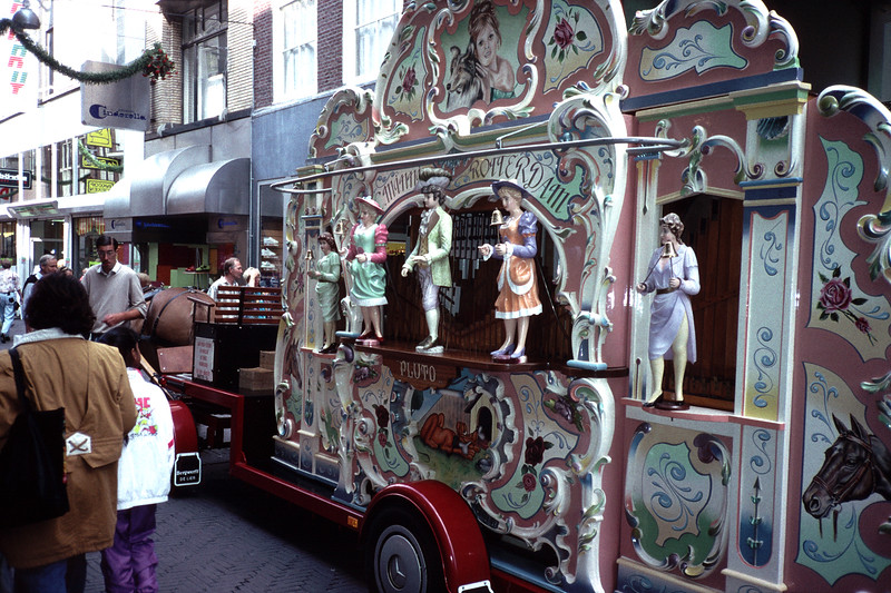 HORSE-DRAWN DUTCH STREET ORGAN