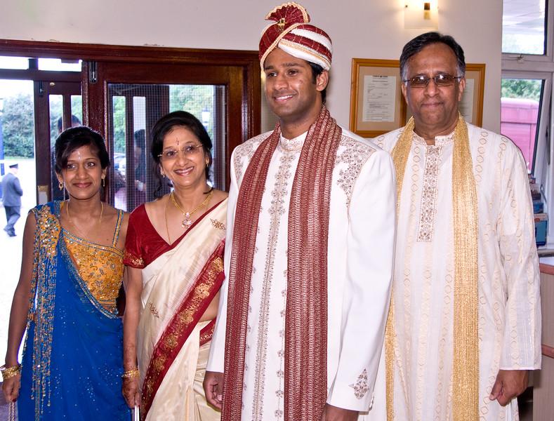 Shiv-&-Babita-Hindu-Wedding-09-2008-027.jpg