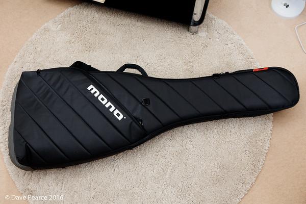 Mono Vertigo Bass bag
