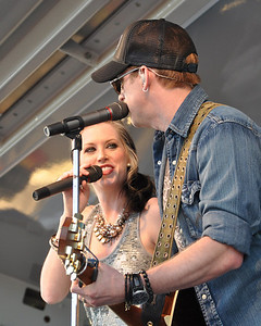 Thompson Square concert April 2011