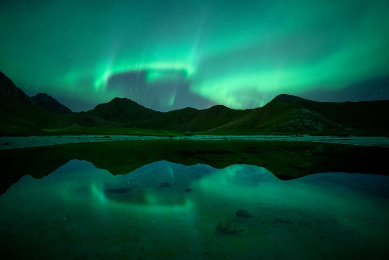 Aurora Northern Lights Lofoten reflection mountain 6.jpg