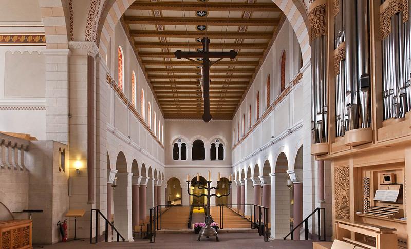 Gandersheim. Stiftskirche: Längsschiff vom Chor nach Westen