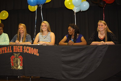 2015 Central Girls Signings