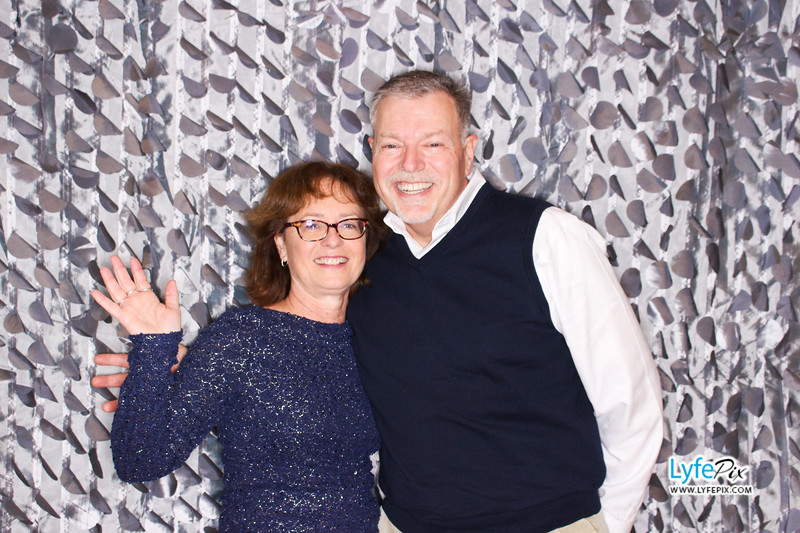 red-hawk-2017-holiday-party-beltsville-maryland-sheraton-photo-booth-0080.jpg