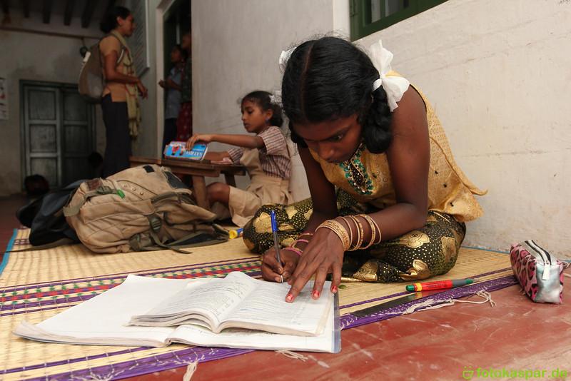 Thamarai-154.jpg