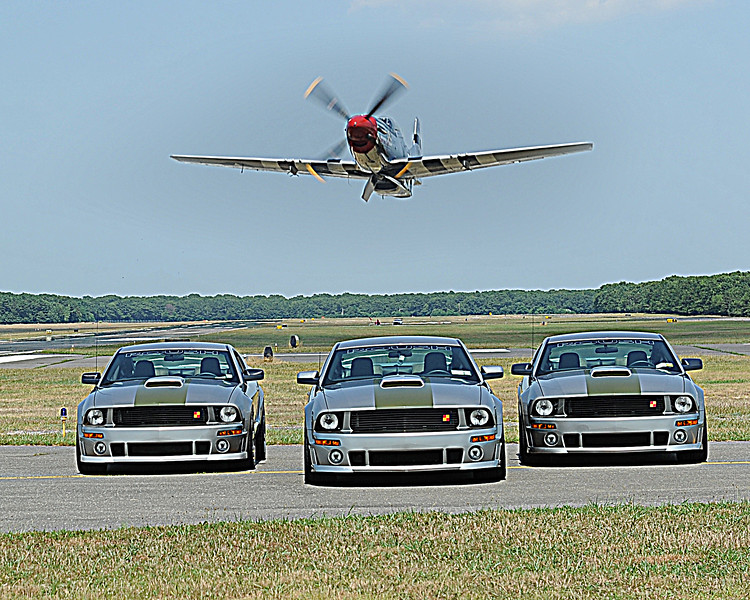 Mustang FLy By_4610.jpg
