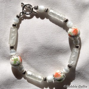 B0901-24, Hand Painted Ceramic Bead Bracelet