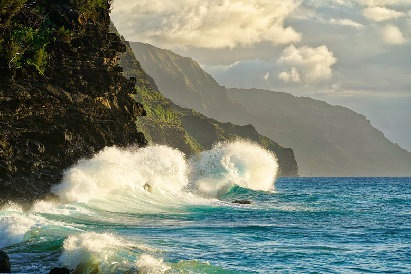Na Pali Coast Waves