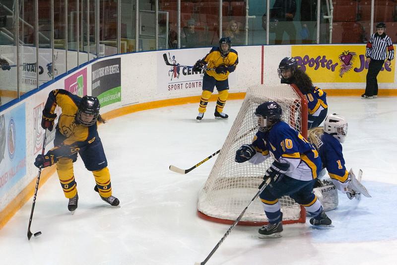 20130310 QWHockeyvsUBC 405.jpg