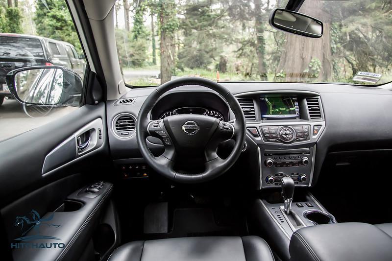 NissanPathfinderSL_White_XXXXXXX-8424.jpg