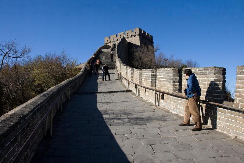 John Scannapieco at Great Wall of China (3), Badaling, China (11-3-08).psd