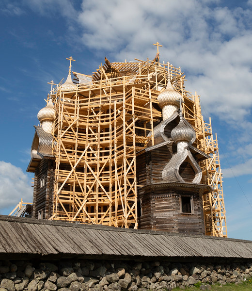 Restoring Church of the Transfiguration Kizhi Island _MB64153.jpg
