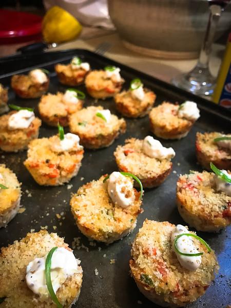 mini lobster cakes 2.jpg