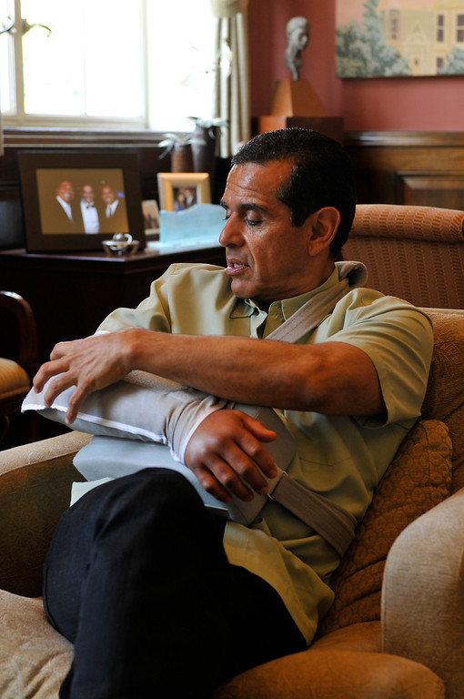 . Mayor Antonio Villaraigosa during an interview in his office at City Hall, 5 days after he broke his elbow in a bicycle accident. Los Angeles. CA 07/23/2010 (John McCoy/L.A. Daily News)