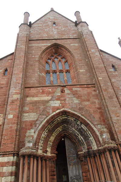 St. Magnus Cathedral, Kirkwall, Orkney - 16.jpg