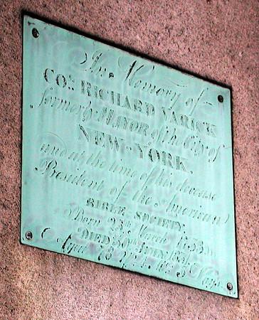 Richard Varick Grave *