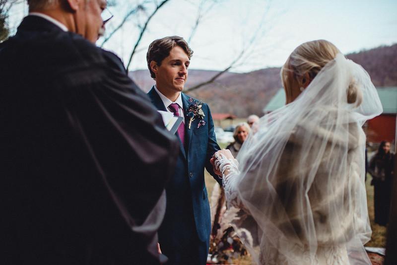 Requiem Images - Luxury Boho Winter Mountain Intimate Wedding - Seven Springs - Laurel Highlands - Blake Holly -1059.jpg