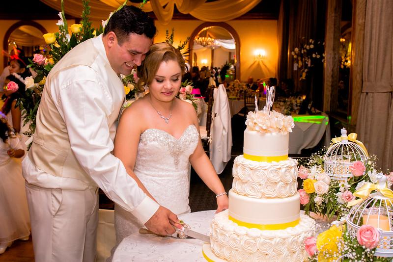 Maria-Alfonso-wedding-2000.jpg