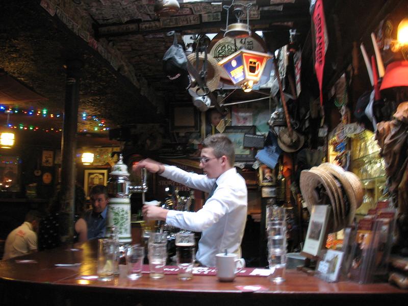 Dublin pub-Mimi Nenno
