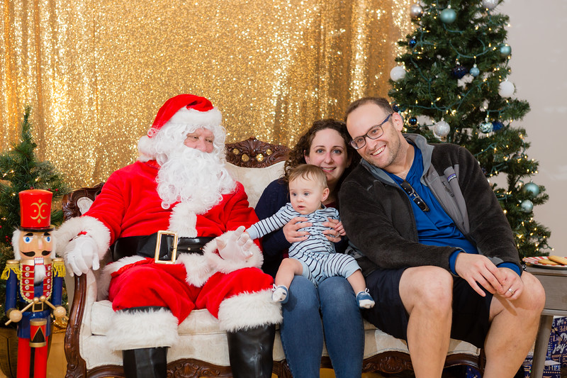 FADS Picture with Santa-234.jpg