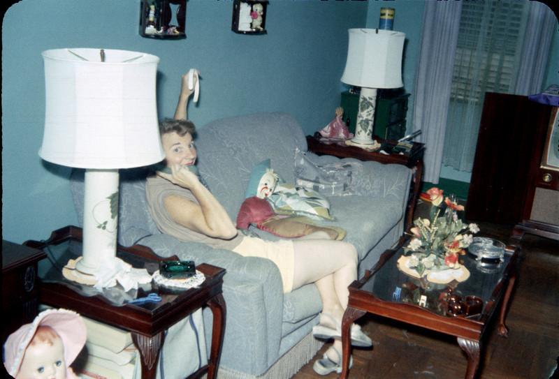 mommy on phone in living room.jpg
