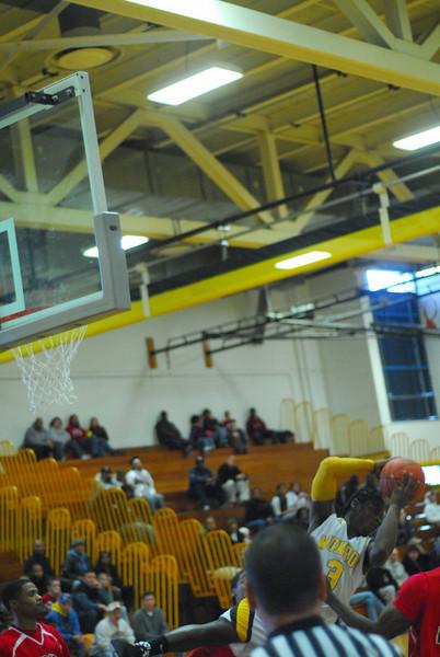 20090301_MCC Basketball_5642.JPG