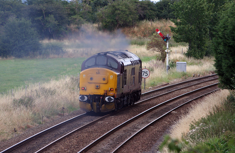 37 401 at Helsby on 29th July 2006 (4).JPG
