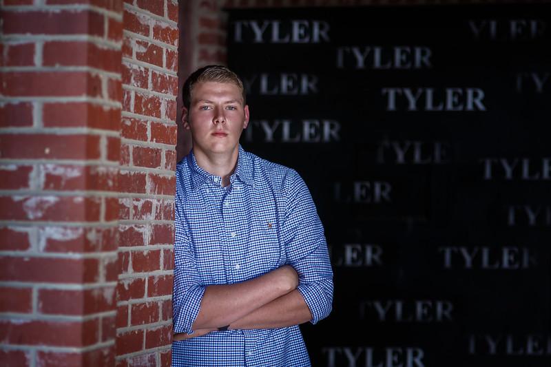 Senior Tyler A. 2017 (34).jpg