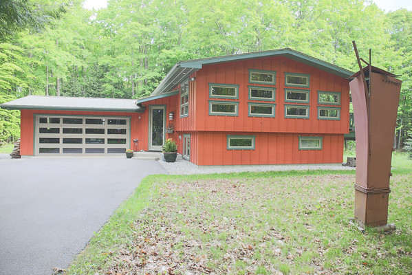 2056 Rivage Dr, Harbor Springs, Michigan house for sale Trish Hartwick