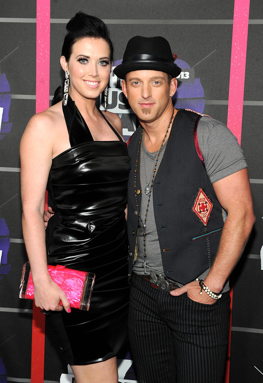 . Shawna Thompson, left, and Keifer Thompson, of Thompson Square, arrive at the 2013 CMT Music Awards at Bridgestone Arena on Wednesday, June 5, 2013, in Nashville, Tenn. (Photo by Frank Micelotta/Invision/AP)