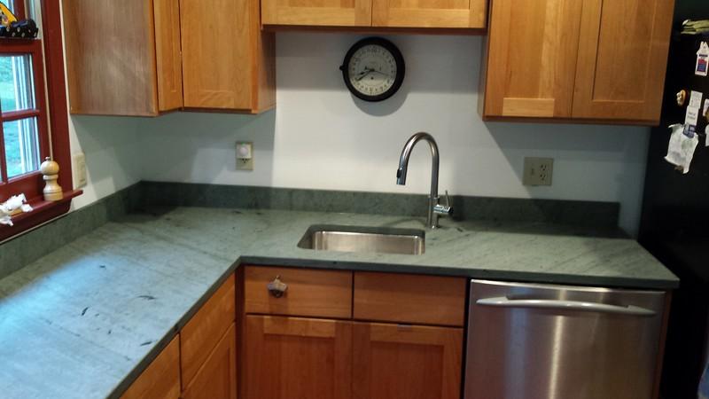 Unfading Green Tops Undermount Sinks