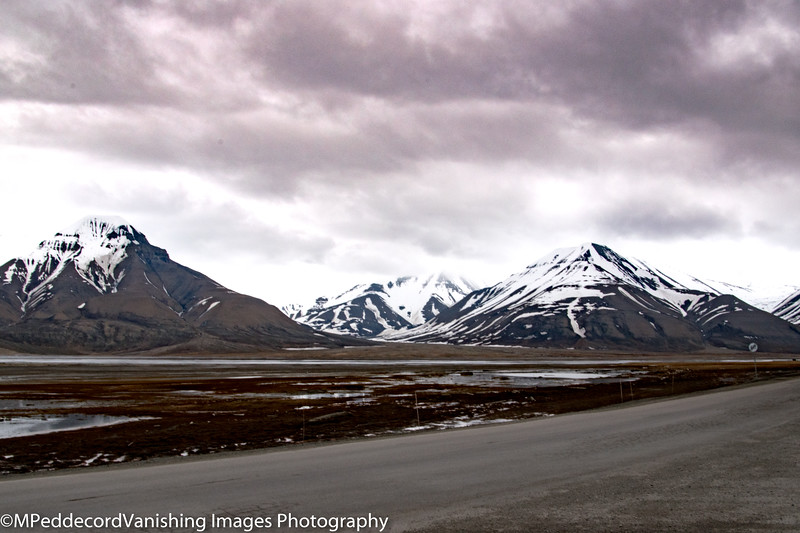 tundra & mountains east of Longyearbyn