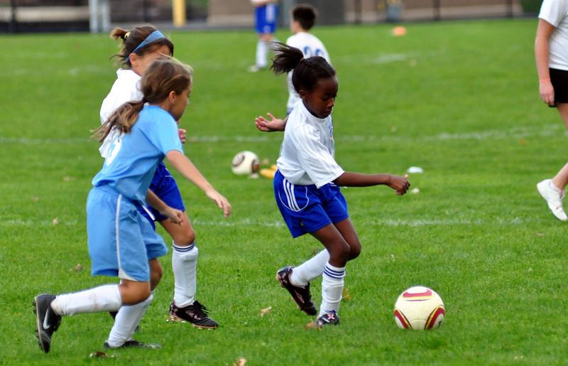 plainville u-11 girls soccer 10-17-10-005.jpg