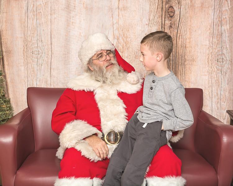 Ameriprise-Santa-Visit-181202-5081.jpg