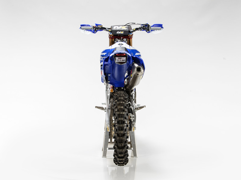 2017_YR_OUTS_static_WR450F_LARRIEU_008.jpg