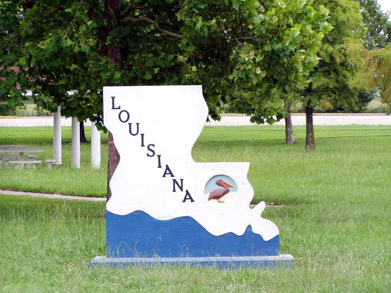01. Louisiana Welcome Center.JPG