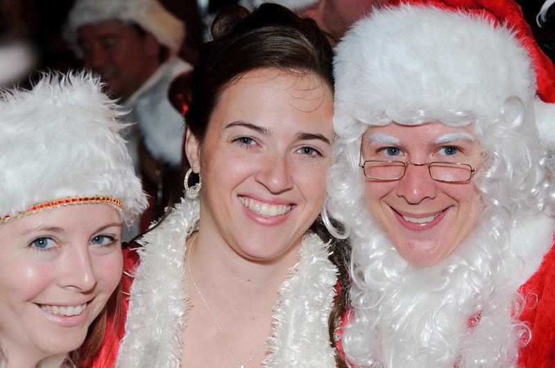 2009 ALS Santa Crawl-31.jpg