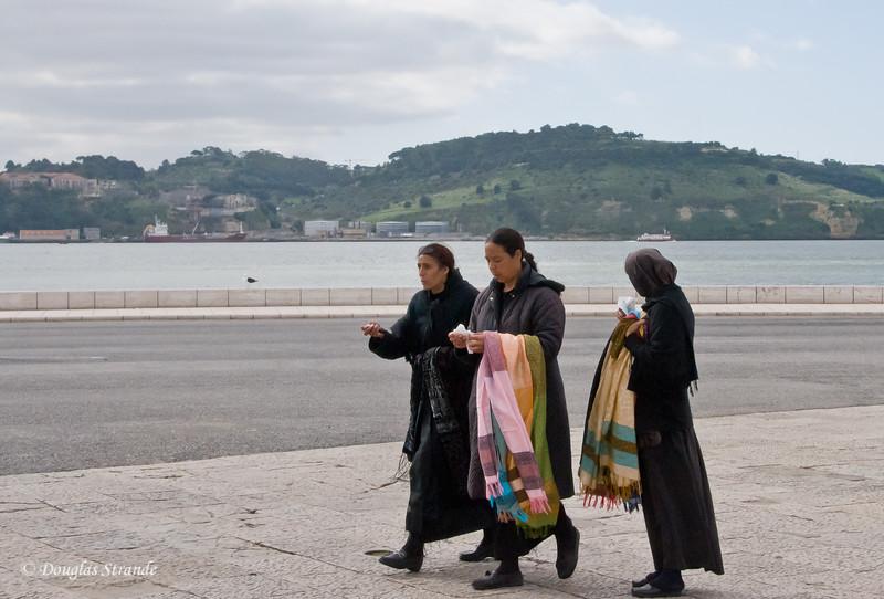 Thur 3/17 in Lisbon: Gypsy women selling scarves