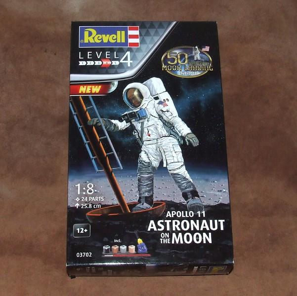 Astronaut, 01s.jpg