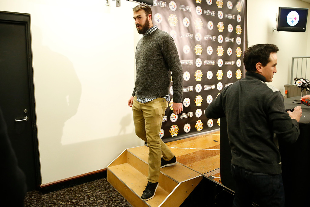 . Pittsburgh Steelers quarterback Landry Jones (3) walks off stage after speaking during a press conference following their 27-24 overtime win against the Cleveland Browns in Pittsburgh, Sunday, January 1, 2017. (AP Photo/Jared Wickerham)